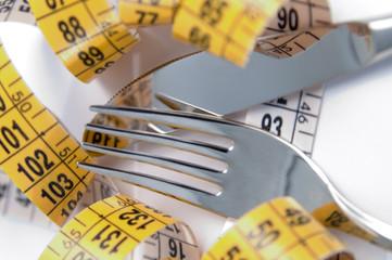 Disturbi alimentari: scopriamo le cause e le patologie più diffuse